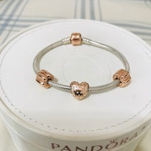 New Authentic Pandora rosegold bracelet w/ charms